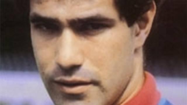 Foto de carnet de Zubizarreta con la camiseta del FC Barcelona