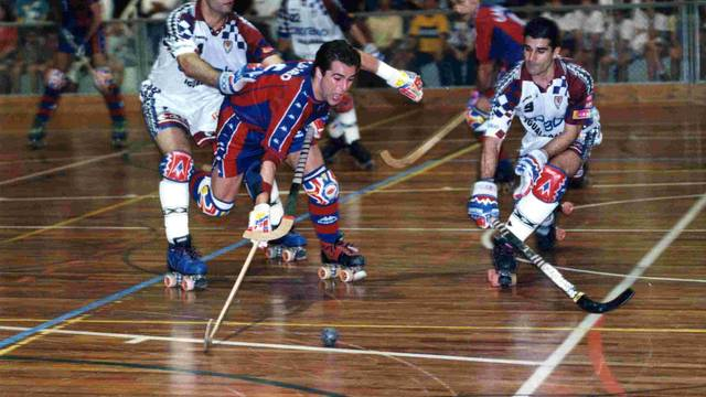Cairo playing against Igualada in the 97-98 season