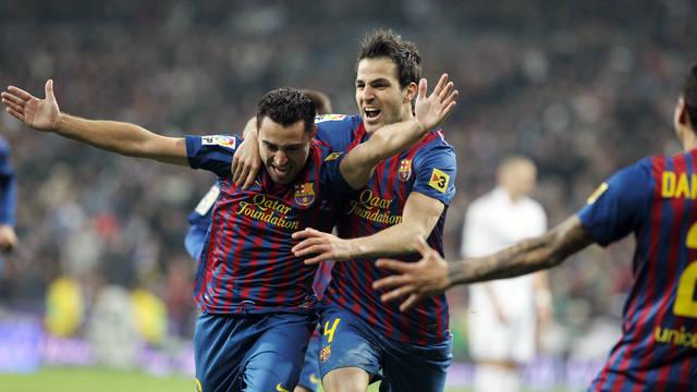 Xavi and Cesc celebrate the second goal / PHOTO: MIGUEL RUIZ - FCB
