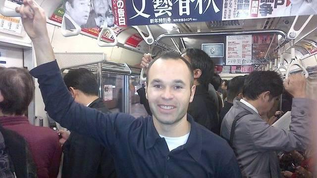 Andrés Iniesta in the Tokyo metro