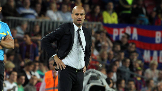 Guardiola on the sideline / PHOTO: ARCHIVO FCB