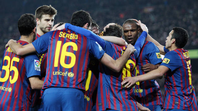 The team celebrating one of the five goals against Valencia / PHOTO: MIGUEL RUIZ-FCB