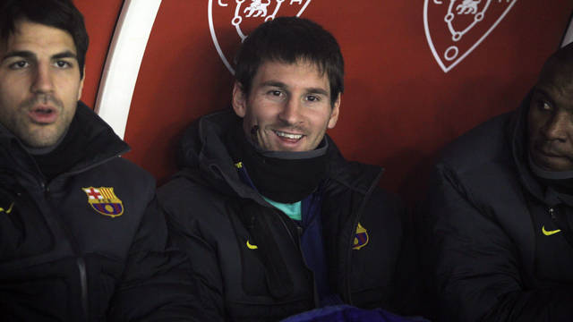 Messi on the bench at the Reyno de Navarra. PHOTO: MIGUEL RUIZ-FCB.