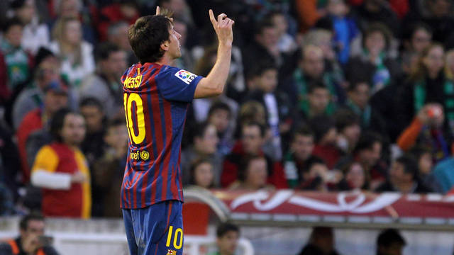 Messi celebrates one of his goals in Santander / PHOTO: MIGUEL RUIZ - FCB