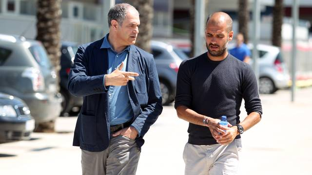 Zubizarreta and Pep Guardiola, at the Ciutat Esportiva / PHOTO: ARXIU FCB.