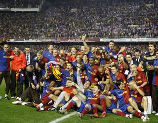 The 2009 King's Cup Final celebration / PHOTO: ARXIU FCB