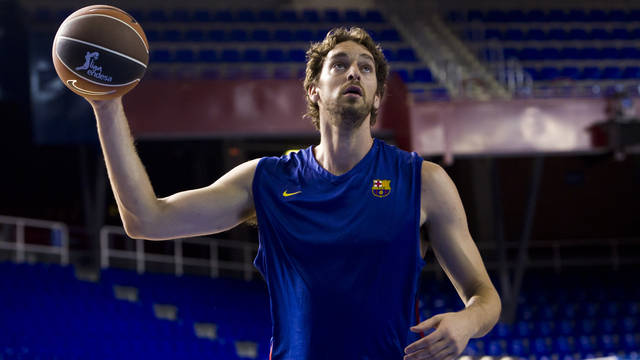 Pau Gasol, Los Angeles Lakers player, training with his ex-team / PHOTO: ÀLEX CAPARRÓS-FCB