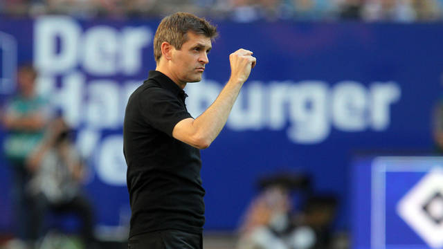 Tito Vilanova during the match against Hamburg SV / PHTO: MIGUEL RUIZ - FCB