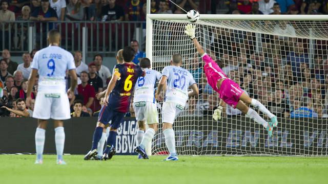 L'instant del gol de Xavi contra el Granada. FOTO: ÀLEX CAPARRÓS-FCB.