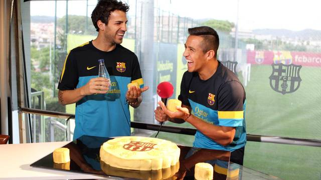 FC Barcelona - Making of del pasts de Lluna amb els jugadors