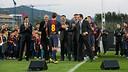 Sandro Rosell, saludant Oriol Busquets després del seu parlament. FOTO: GERMÁN PARGA-FCB.