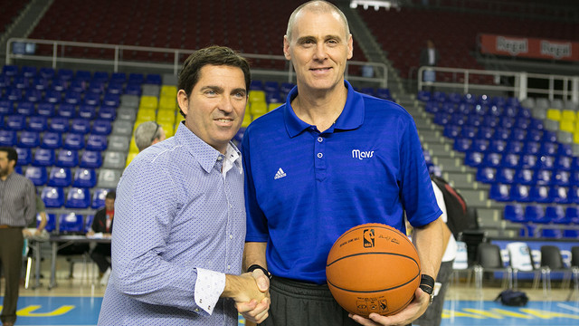 Xavi Pascual and Rick Carlisle / PHOTO: GERMÁN PARGA-FCB