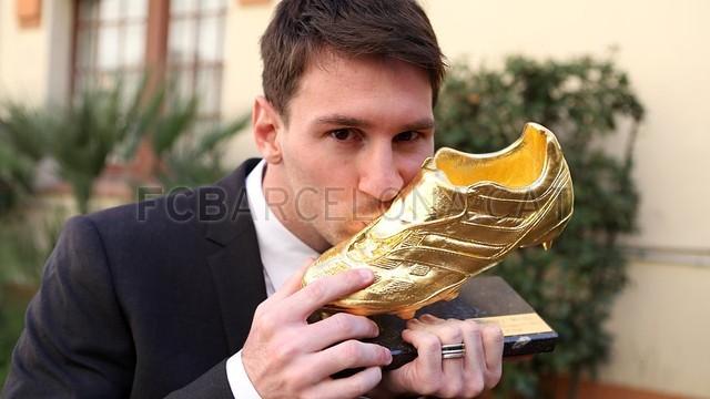 Messi with the Golden Foot. FOTO: MIGUEL RUIZ-FCB.