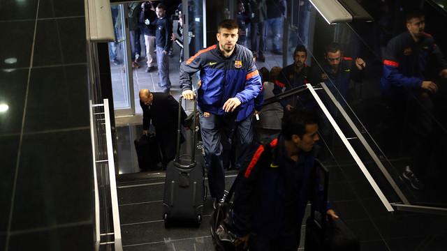 Piqué, aquest dimarts a l'aeroport del Prat / FOTO: MIGUEL RUIZ - FCB