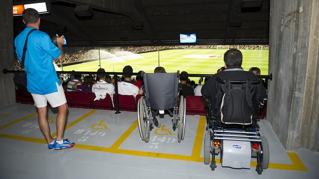 La venda 'on-line' d'entrades al Camp Nou per a la zona habilitada per a cadires de rodes, a punt / FOTO: ARXIU FCB
