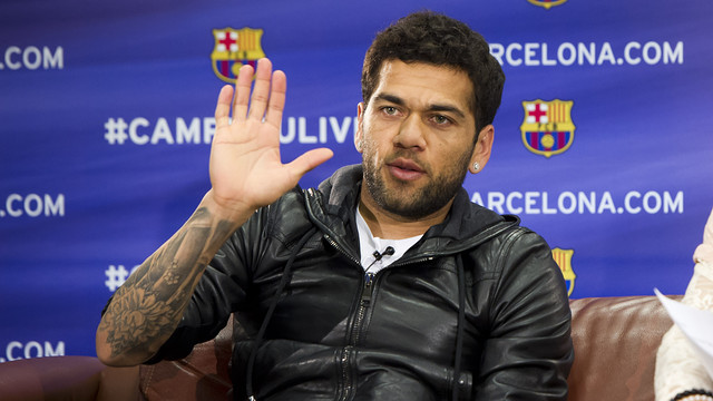 Dani Alves during #CampNouLive's Google+ Hangout / PHOTO: ÁLEX CAPARRÓS-FCB