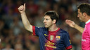 Messi i Toño, porter del Granada. FOTO: MIGUEL RUIZ-FCB.