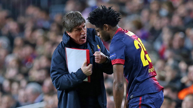 Jordi Roura and Alex Song / PHOTO: MIGUEL RUIZ - FCB