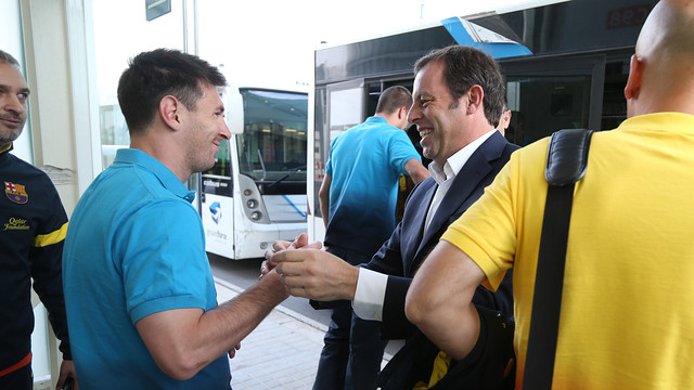 Messi and Rosell at the airport PHOTO: MIGUEL RUIZ-FCB.
