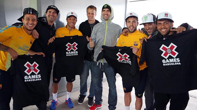 X Games visit Barça (Thiago, Adriano, Alba and Alves). PHOTO: MIGUEL RUIZ-FCB.