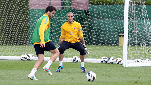 Valdés and Cesc in a training session PHOTO: MIGUEL RUIZ-FCB