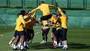 Piqué i els seus companys, durant un entrenament / FOTO: ARXIU FCB