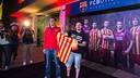The first Barça fan to own the 2013/14 away kit / PHOTO: GERMÁN PARGA - FCB