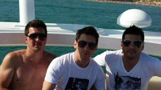 Leo Messi, amb els seus germans / FOTO: @_MatiasMessi