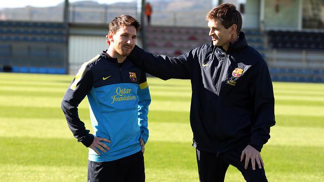 Messi, with Vilanova, during a training session / PHOTO: ARXIU FCB