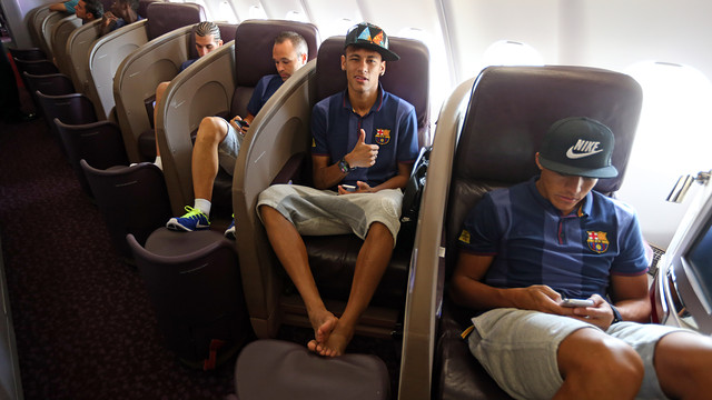 Neymar Jr, on the plane / PHOTO: MIGUEL RUIZ-FCB