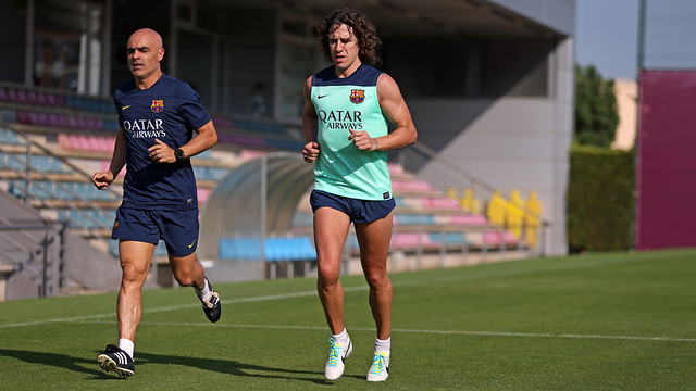 Carles Puyol has started exercising on the pitch / PHOTO: MIGUEL RUIZ - FCB