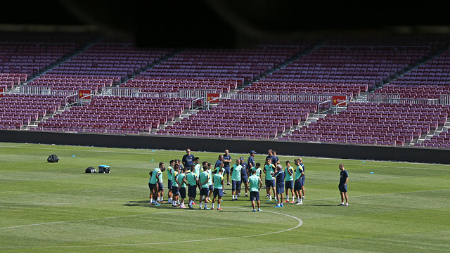 Sunday morning's training session in the Camp Nou. PHOTO: MIGUEL RUIZ-FCB.