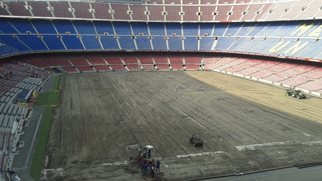 Installation of the undersoil heating system at the Camp Nou / PHOTO: FCB