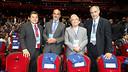 Andoni Zubizarreta, with Raul Sanllehí, David Bellver and Amador Bernabéu / PHOTO: MIGUEL RUIZ - FCB