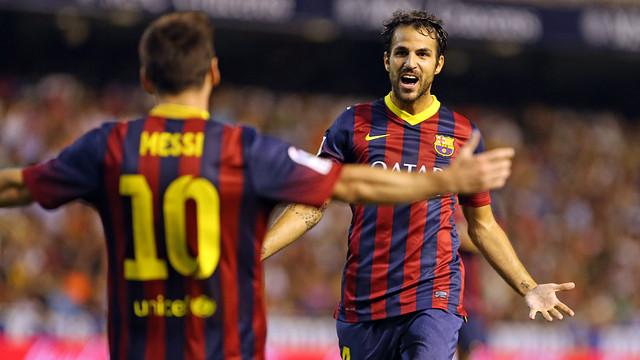 Messi and Fàbregas, celebrate a goal. PHOTO: MIGUEL RUIZ - FCB