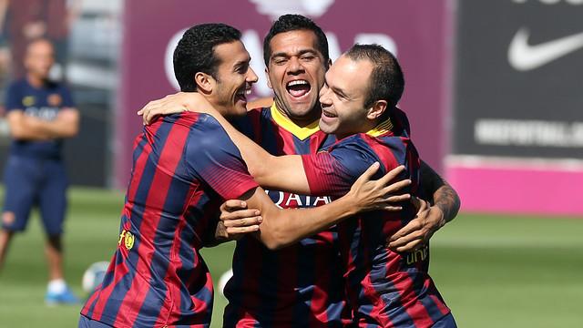 Pedro, Alves and Iniesta / PHOTO: MIGUEL RUIZ - FCB