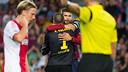 Valdés i Piqué s'abracen després del penal aturat / FOTO: GERMÁN PARGA-FCB