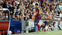 Mascherano leaves the field injured / PHOTO: MIGUEL RUIZ - FCB