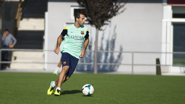 Mascherano, during this morning's practice match / PHOTO: VÍCTOR SALGADO-FCB