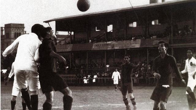 FC Barcelona v Real Madrid, a vintage photo / PHOTO: FCB