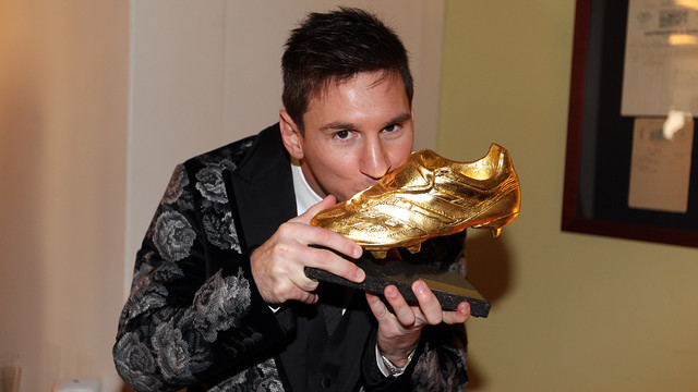 Leo Messi with his 3rd Golden Boot / PHOTO: MIGUEL RUIZ - FCB