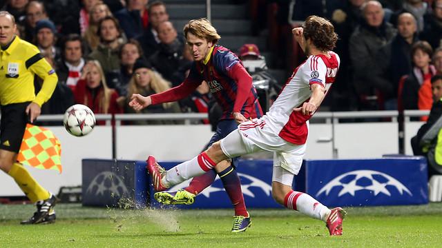 Patric during teh game against Ajax / PHOTO: MIGUEL RUIZ - FCB
