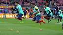 FC Barcelona players warm up / PHOTO: MIGUEL RUIZ – FCB
