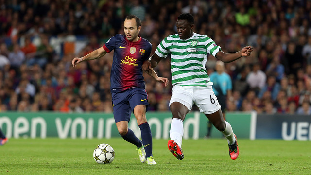 Iniesta controls the ball at the Camp Nou