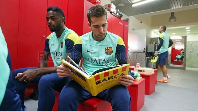 برشلونة يصدر كتاباً بعنوان (شجاعة