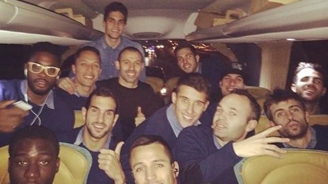 L'equip dins l'autocar després del triomf contra el Getafe / FOTO: Instagram @13Pinto