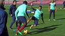 Alves in the training session. PHOTO: MIGUEL RUIZ - FCB