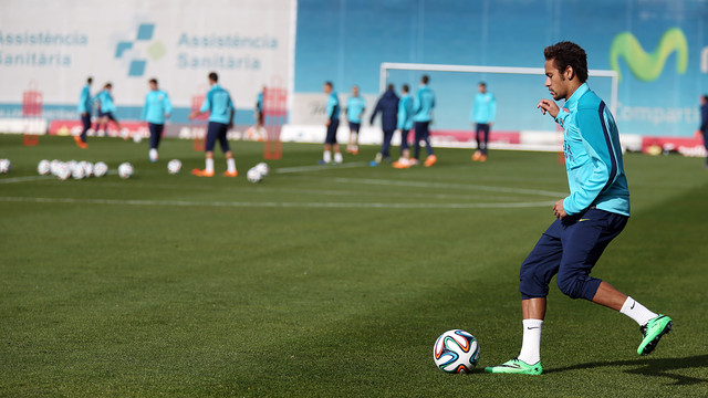Neymar worked with the ball for the first since his injury / PHOTO: MIGUEL RUIZ - FCB