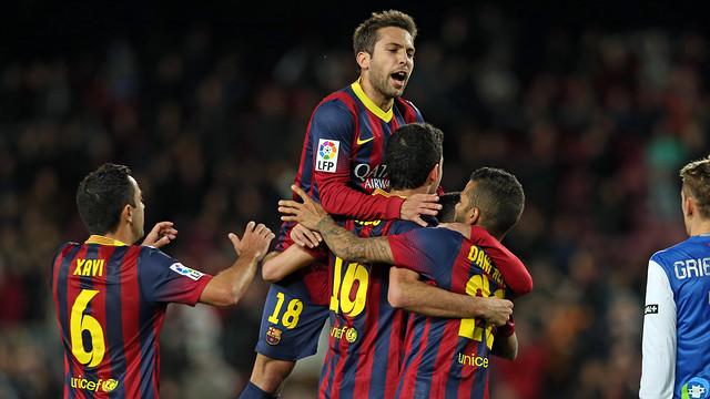 Players celebrate Sergio Busquets' goal against Real Sociedad / PHOTO: MIGUEL RUIZ - FCB