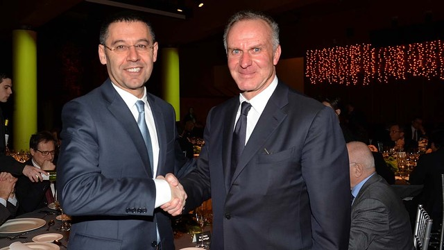 Greeting between Bartomeu and Rummenigge